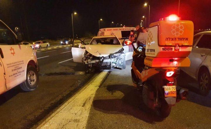 إصابة 3 أشخاص بجروح متوسطة في حادث سير بالجليل