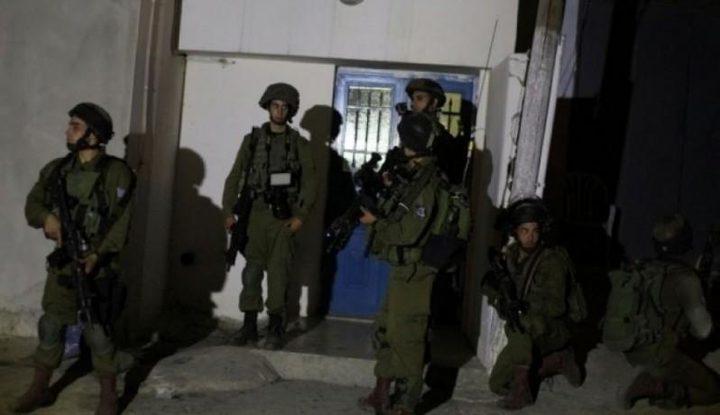 قوات الاحتلال تأخذ قياسات عدد من المنازل في سلفيت