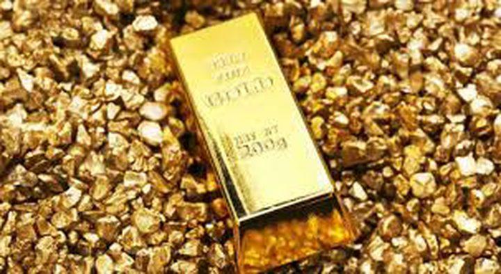 الذهب يرتفع مدعوما بهبوط الدولار