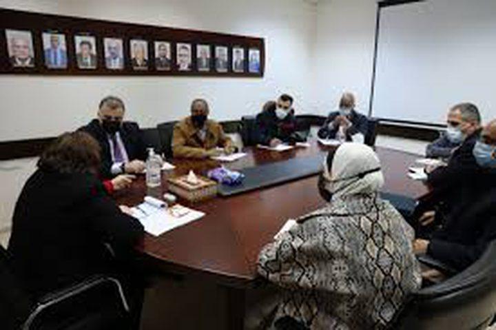 اللجنة الوطنية لكورونا تبحث تطورات الوضع الوبائي