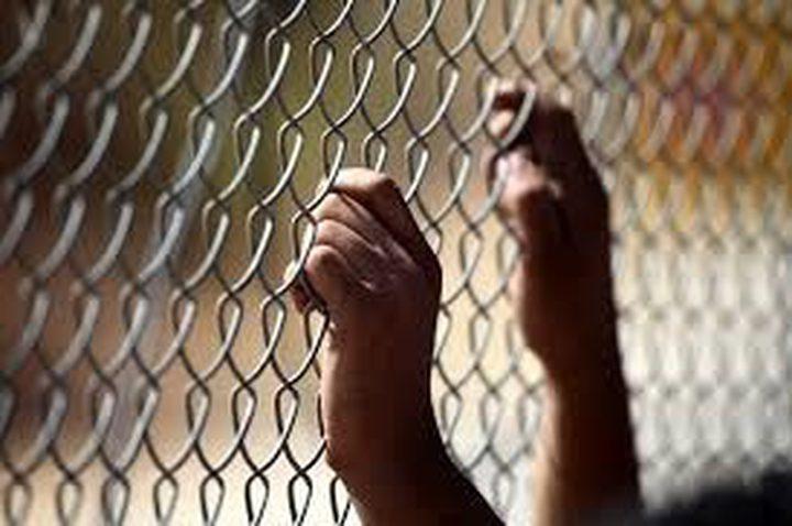 الأسير سعيد عمران من قرية صير يدخل عامه الـ17 في سجون الاحتلال