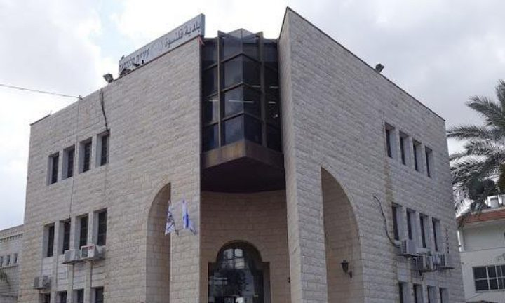 إغلاق مقاهي في باقة واعتقال منظم حفل بالنقب
