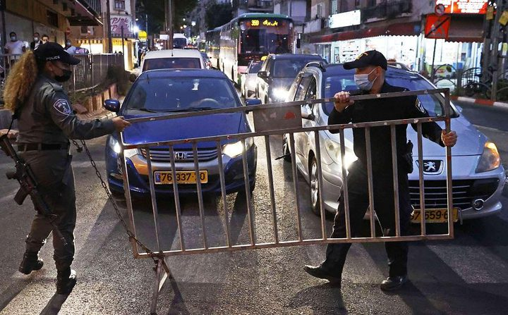 صحة الاحتلال تنتقد التراخي في فرض إجراءات الإغلاق بسبب كورونا