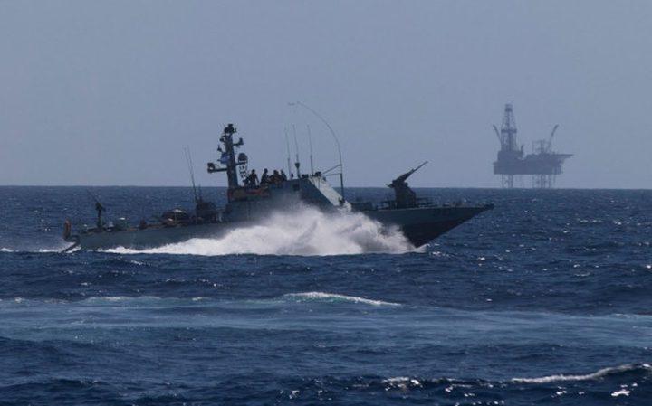 بحرية الاحتلال تستهدف مراكب الصيادين بقطاع غزة