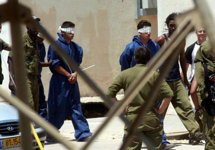 قوات الاحتلال تعتدي بالضرب المبرح على 3 أسرى لحظة اعتقالهم