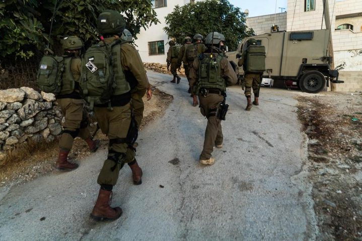 الاحتلال يعتدي على المشاركين في زراعة أشجار زيتون شمال الخليل