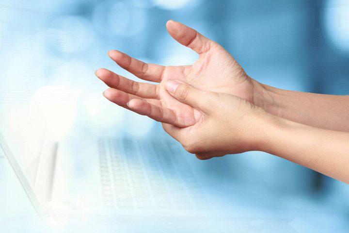 هذا ما يكشفه تنمّل أيديكم من أسرار صحتكم