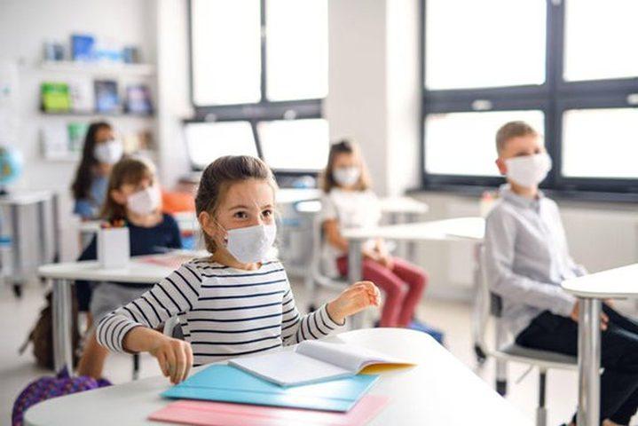 خبير يؤكد عدم ضرورة إغلاق المدارس لوقف إنتشار كورونا