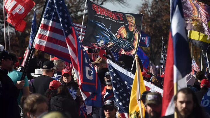 عشرات الآلاف من أنصار ترامب يحتشدون وسط واشنطن
