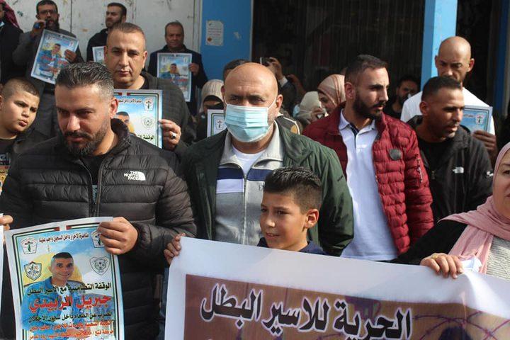 وقفة تضامنية مع الأسير المضرب عن الطعام جبريل زبيدي في جنين