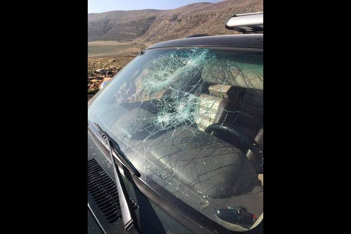 إصابة 3 مواطنين برضوض إثر اعتداء مستوطنين عليهم شرق رام الله