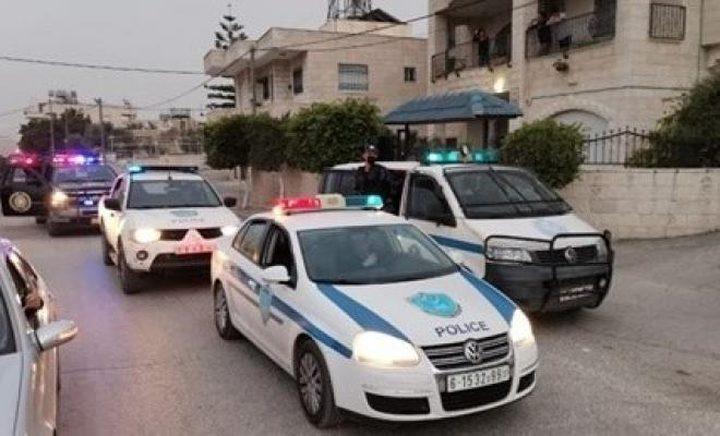 الشرطة: القبض على مشتبه لحيازته مواد مخدرة شرق نابلس