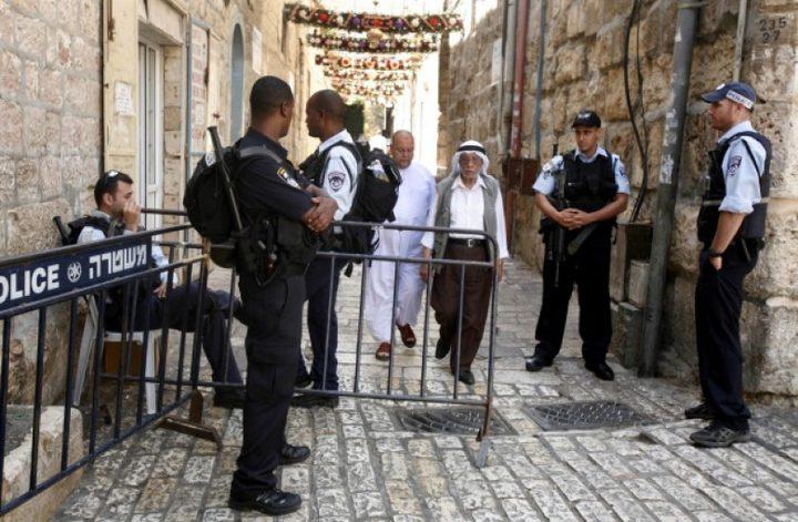 قوات الاحتلال تشدد إجراءاتها وتمنع المصلين من الوصول للأقصى