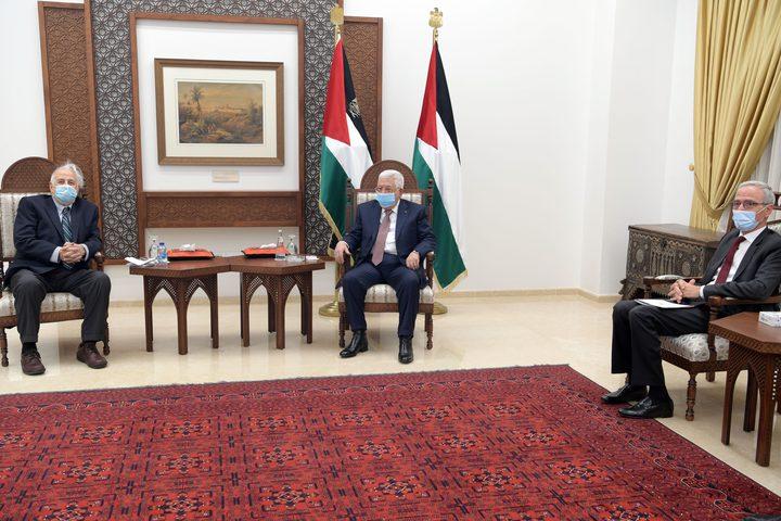 الرئيس يبحث مواعيد الانتخابات التشريعية والرئاسية مع حنا ناصر