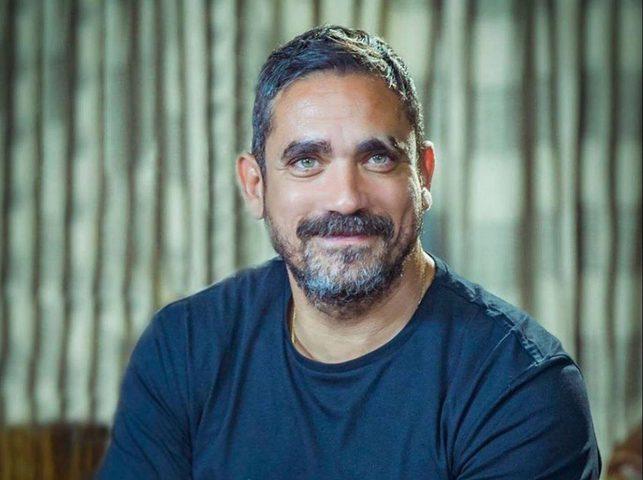 الممثل أمير كرارة يعلن شفاءه من كورونا