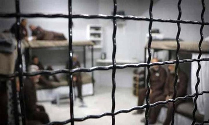 """إدارة سجن """"ريمون"""" تُماطل في أخذ عينات من الأسرى في قسم (4)"""
