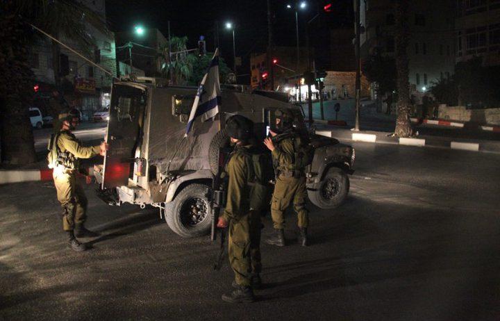قوات الاحتلال تعتقل مواطنين من بلدة إذنا غرب محافظة الخليل