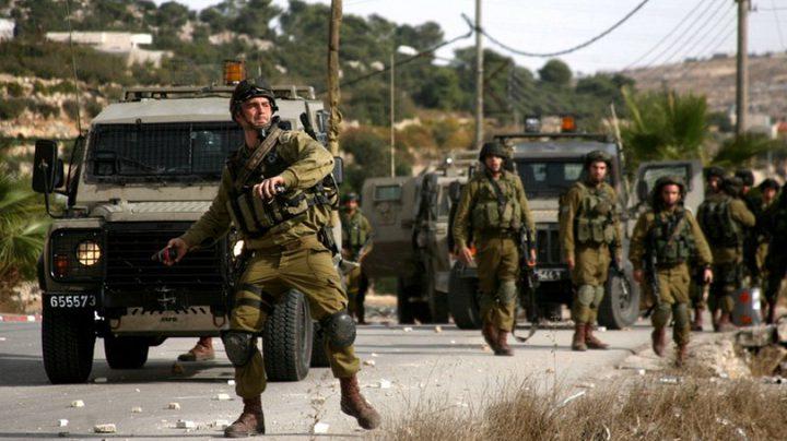 قوات الاحتلال تعتقل فتيين من حي تل الرميدة وسط الخليل