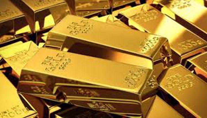 انخفاض سعر الذهب في ظل انتعاش الدولار