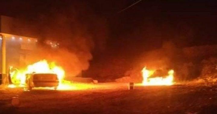 مستوطنون يحرقون مركبتين في بلدة ترمسعيا