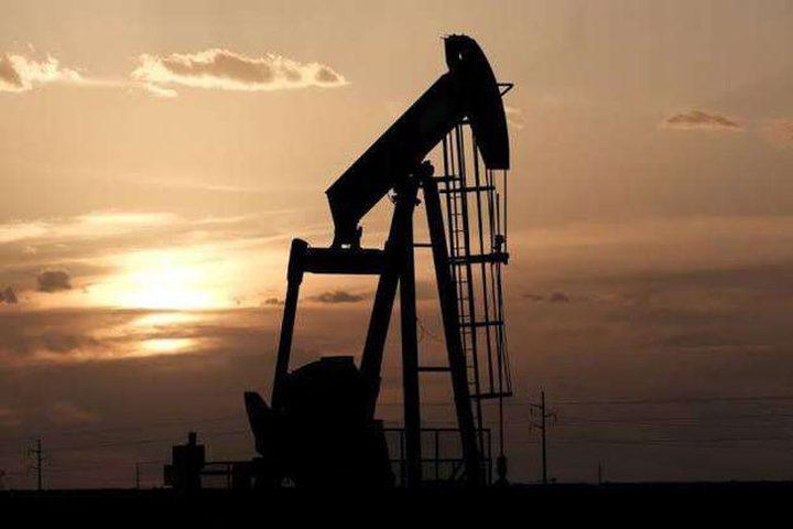 هبوط أسعار النفط بعد إجراءات عزل عام في الصين