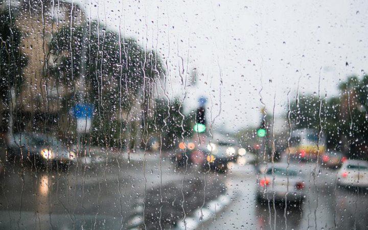 الطقس: منخفض جوي شديد البرودة وأمطار غزيرة حتى الأربعاء