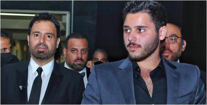 """عاصي الحلاني يدافع عن ابنه الوليد بعد الهجوم على """"صورة اللقاح"""""""