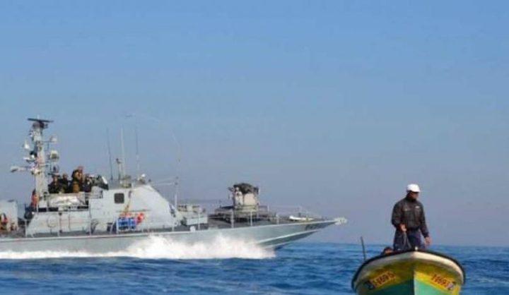 الاحتلال يهاجم الصيادين في بحر غزة