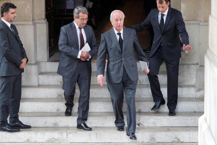 محاكمة رئيس الوزراء الفرنسي السابق تبدأ اليوم
