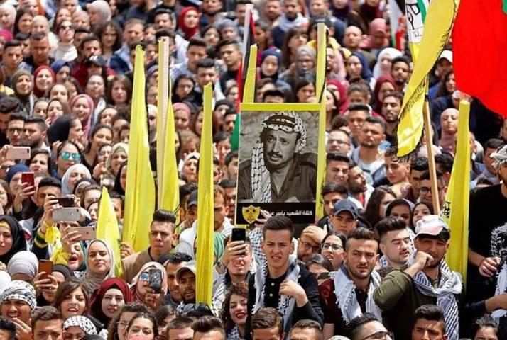 فتح إقليم القدس تكرم عددا من ذوي اسرى العاصمة