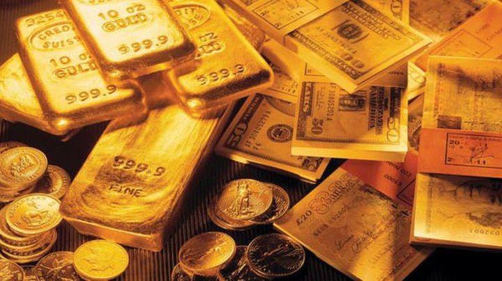 الذهب يواصل تحقيق الأرباح في ظل ضعف الدولار