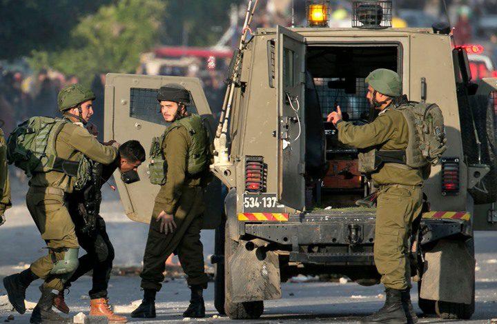 قوات الاحتلال تعتقل شابا من مدينة جنين