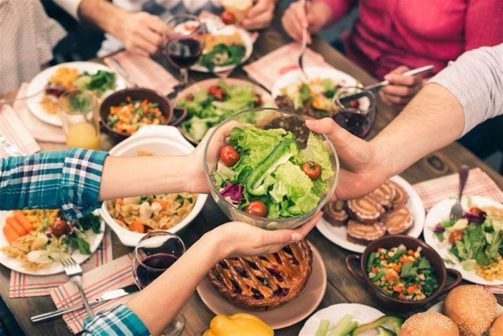 دراسة صادمة: تجنب تناول وجبة العشاء يسبب الوزن الزائد