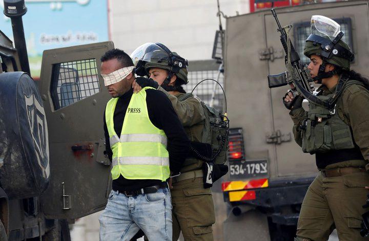 قوات الاحتلال تعتقل4 فتية شمال غرب القدس