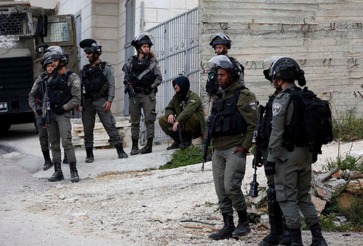 الاحتلال يخطر بوقف البناء بثلاثة منازل في قلقيلية