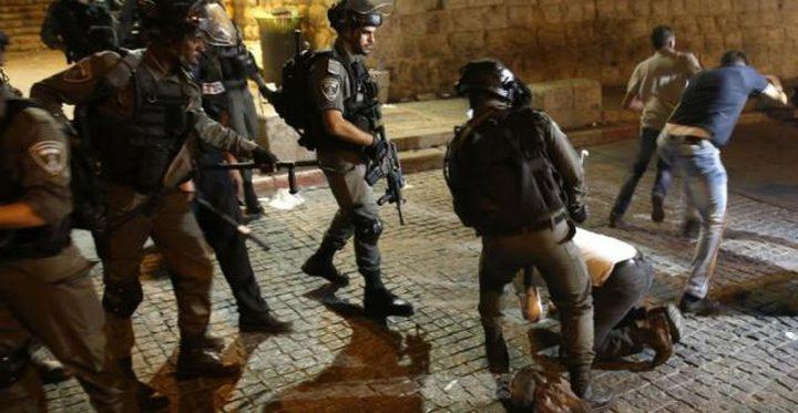 قوات الاحتلال تعتدي على عائلة في العيسوية
