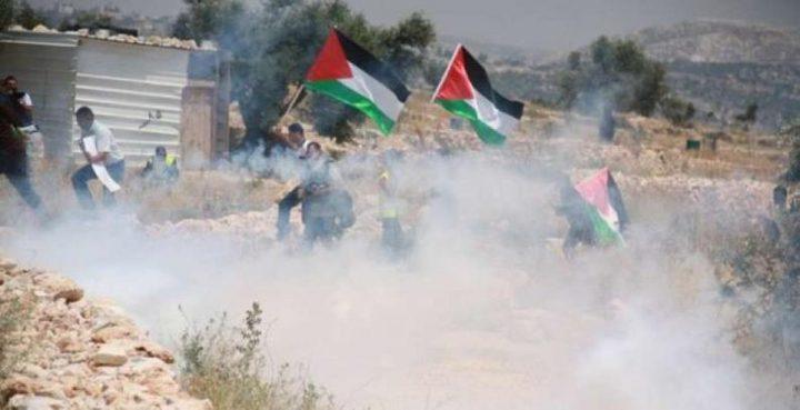 3 اصابات برصاص الاحتلال وعشرات حالات الاختناق في مسيرة كفر قدوم