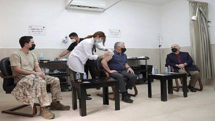 العاهل الأردني يكشف عن أعراض لازمته بعد تلقي لقاح كورونا
