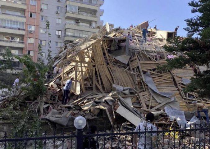 زلزال يضرب ولاية ازمير التركية