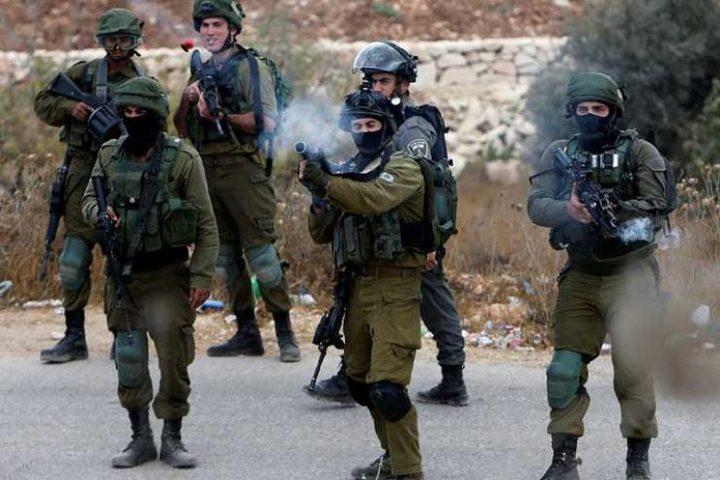 جنين: الاحتلال يصيب عدة مواطنين بحالات اختناق