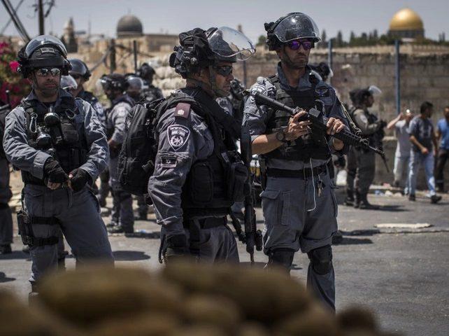 الاحتلال يعتقل شابا من بلدة الطور غرب القدس