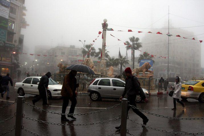 طقس فلسطين: أمطار وعواصف رعدية والدفاع المدني يحذر