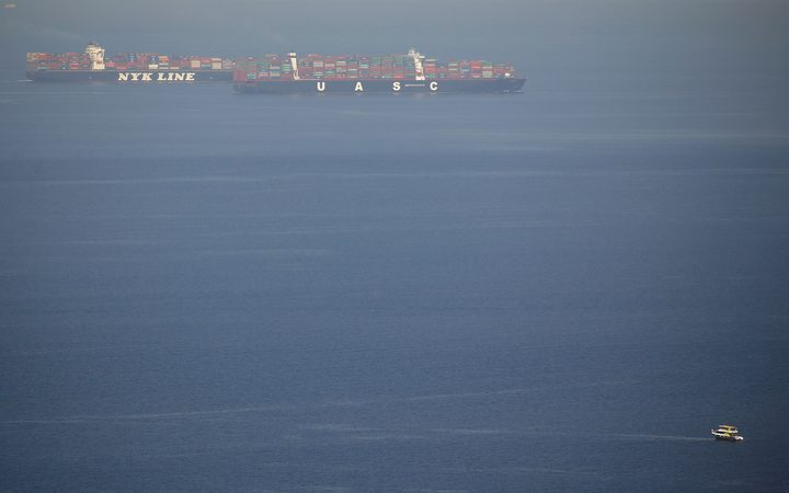 مصر توقف 3 سفن قبل توجهها إلى السعودية