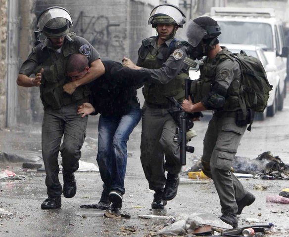 الاحتلال يصيب شابا ويعتقل 4 آخرين من الضفة
