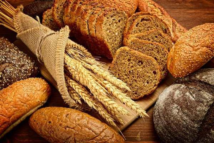 تحذير.. الإفراط بتناول الخبز الأبيض والمعكرونة يصيبك بأمراض القلب