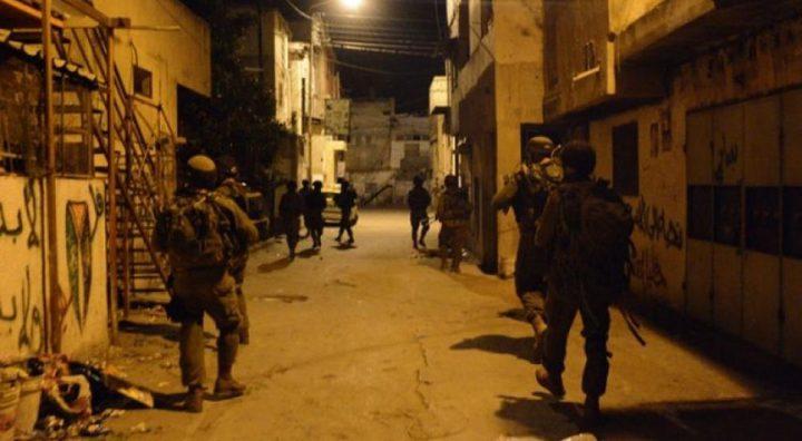 نابلس: قوات الاحتلال تعتقل مواطنا من عصيرة الشمالية