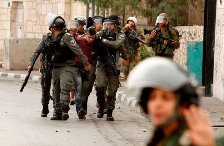 الاحتلال يعتقل مقدسيا قرب مصلى باب الرحمة