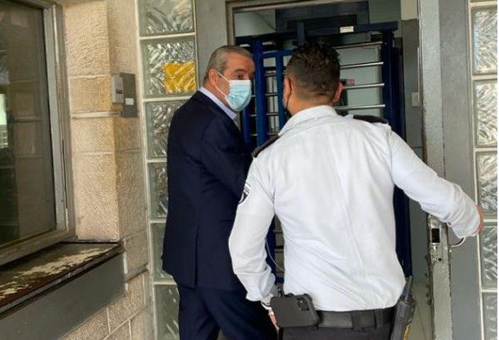 الشيخ يكشف تفاصيل لقائه بالأسير مروان البرغوثي في سجون الاحتلال