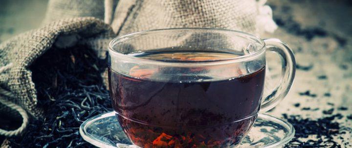 الشاي الأسود.. سلاح ذو حدين!!
