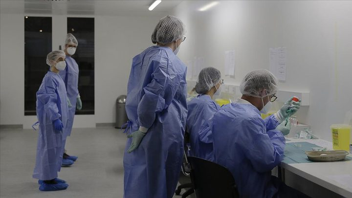 """انطلاق أولى عمليات التطعيم بلقاح """"فايزر"""" في لبنان"""